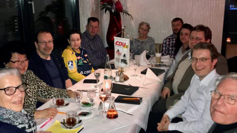 Mitglieder der CDU Neckarstadt im Gespräch mit dem Fraktionsvorsitzenden Claudius Kranz | Foto: CDU Neckarstadt