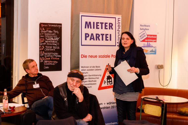 Ulrike Schaller-Scholz-Koenen (rechts) und Karlheinz Paskuda (ganz links) sind Vorstandsvorsitzende der neuen sozialen Partei   Foto: CKI