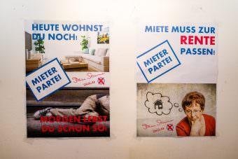 Zwei Plakate der Mieterpartei | Foto: CKI
