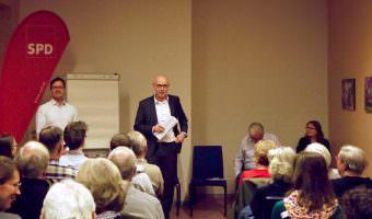 SPD-Fraktionschef Ralf Eisenhauer (links) mit seinem Chef bei der MWSP, Achim Judt, bei einer SPD-Veranstaltung | Foto: M. Schülke
