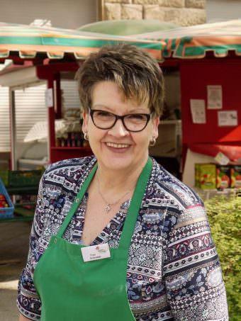 Christa Schnabel vom Erdbeerstand | Foto: M. Schülke