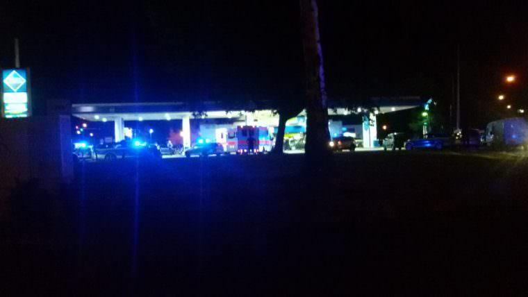 Viel Polizei, Krankenwagen und eine Unmenge an Schaulustigen meldete uns ein Leser am späten Donnerstagabend in Tatortnähe | Foto: Lesereinsendung (HR)