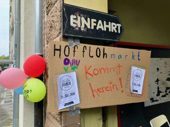 In der ganzen Neckarstadt luden Nachbar*innen in ihre Höfe zum Stöbern ein | Foto: M. Schülke