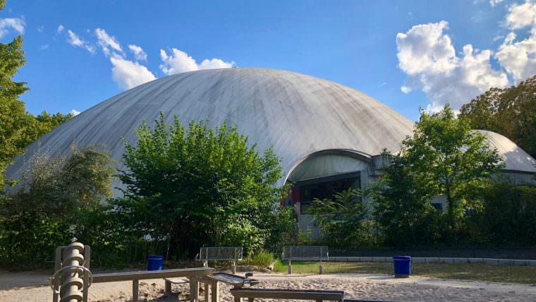 Die Multihalle im Herzogenriedpark | Foto: M. Schülke