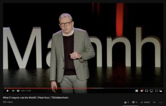 Oberbürgermeister Dr. Peter Kurz bei den TEDx Talks in Mannheim | Screenshot: YouTube/TEDx