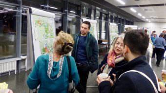 Auf Teilplänen konnten sich die Teilnehmer*innen jeden Parkbereich noch einmal genau anschauen | Foto: Hans-Jürg Liebert