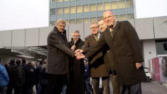 Auch Oberbürgermeister Dr. Peter Kurz drückte den symbolischen Startknopf für die Videowand | Screenshot: RNF