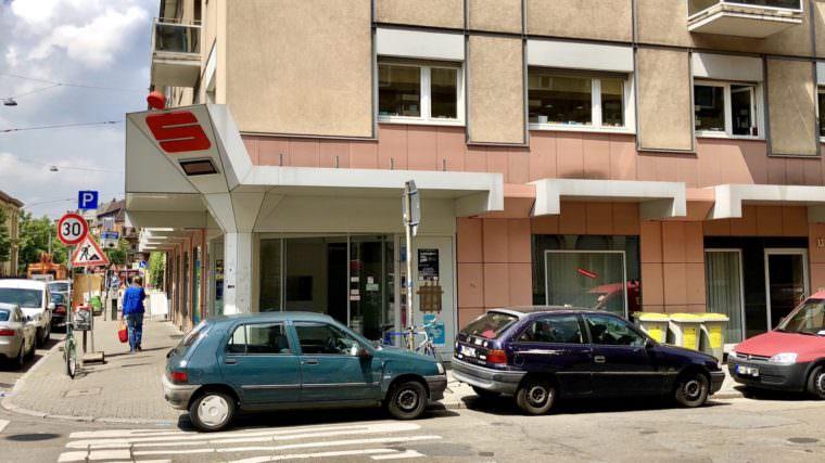 Die Räume der ehemaligen Sparkasse in der Mittelstraße erhalten eine kurze Zwischennutzung (Archivbild) | Foto: M. Schülke