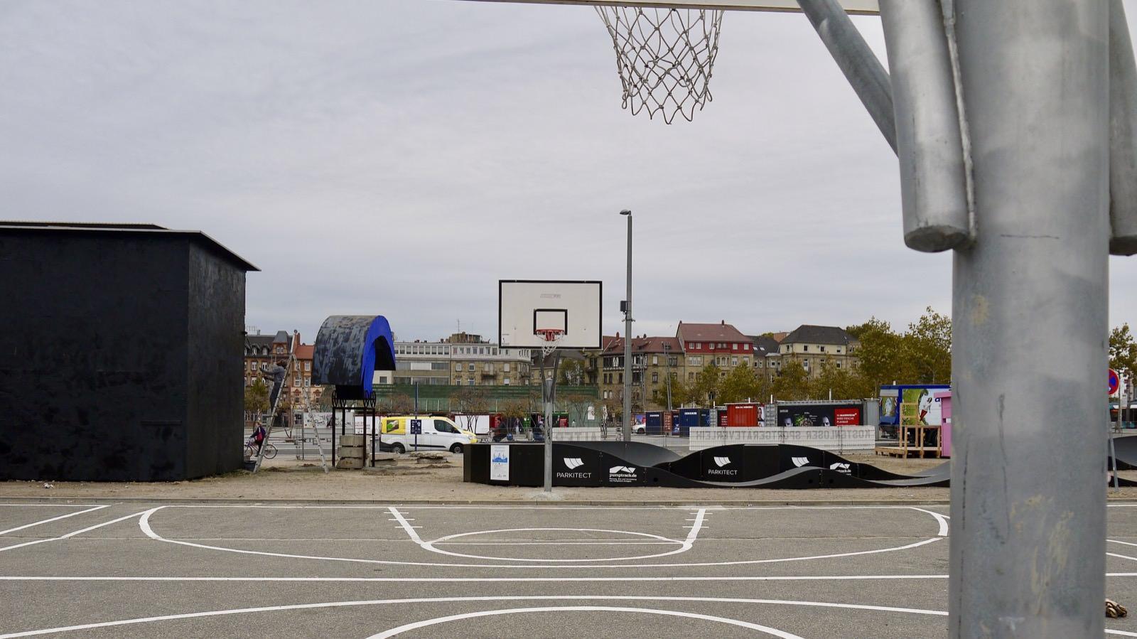 Basketballfeld und Pumptrack laden zum sportlichen Spiel ein | Foto: M. Schülke
