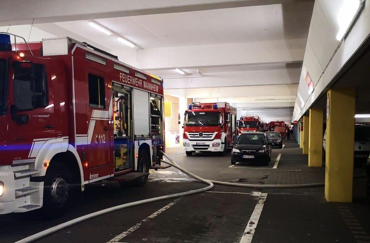 Feuerwehr in der Tiefgarage der Neckaruferbebauung | Foto: privat