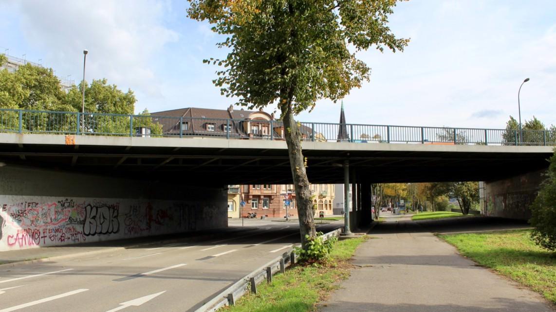 Am Fuß der Jungbuschbrücke (Archivbild 2017) | Foto: S. Absi