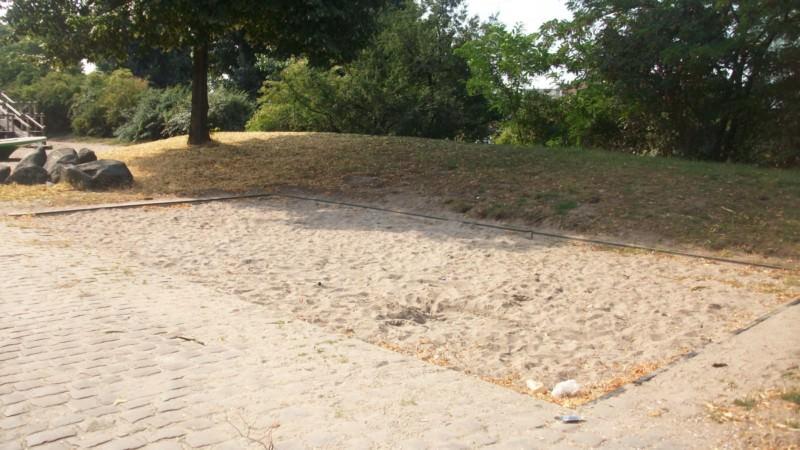 Leergefegt: Der Spielplatz an der Dammstraße   Foto: privat