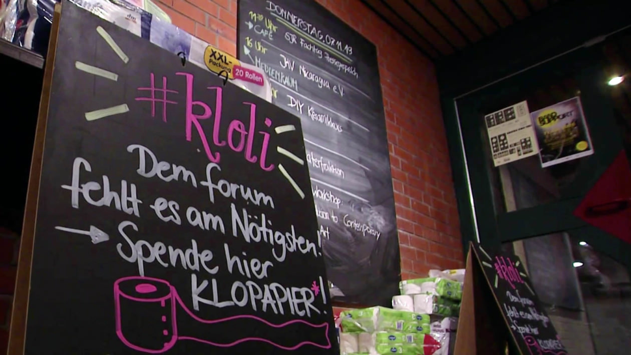 Wenn die Stadt wichtige Einrichtungen der Jugendhilfe nicht mehr ausreichend finanzieren will, müssen die Bürger*innen nachhelfen; im Bild das Jugendkulturzentrum Forum | Screenshot: Video Stadt Mannheim
