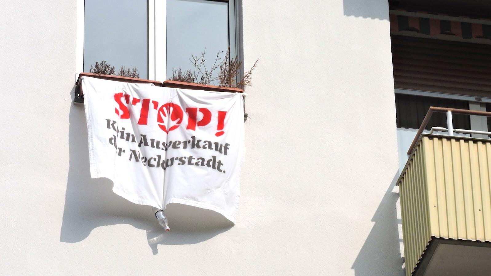 Die Fenster- und Balkon-Demonstration wird von einem Bündnis Mannheimer Initiativen veranstaltet: OST – Offenes Stadtteiltreffen Neckarstadt West & Ost, Ewwe Longt's – Linkes Zentrum Mannheim, FairMieten – Initiative gegen Mietwucher in der Neckarstadt   Foto: privat