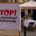 """""""Kein Ausverkauf der Neckarstadt!"""" – Infostand auf dem Neumarkt"""