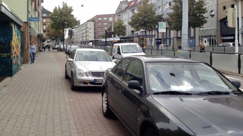 radwegparker archivbild img 4583 2 1142x642 - Höhere Bußgelder für Falschparker auf Geh- und Radwegen