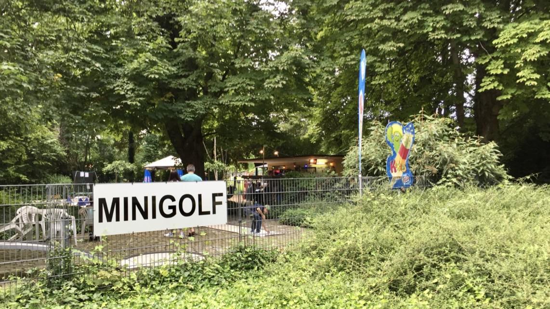 Die Minigolfanlage im Herzogenriedpark | Foto: M. Schülke