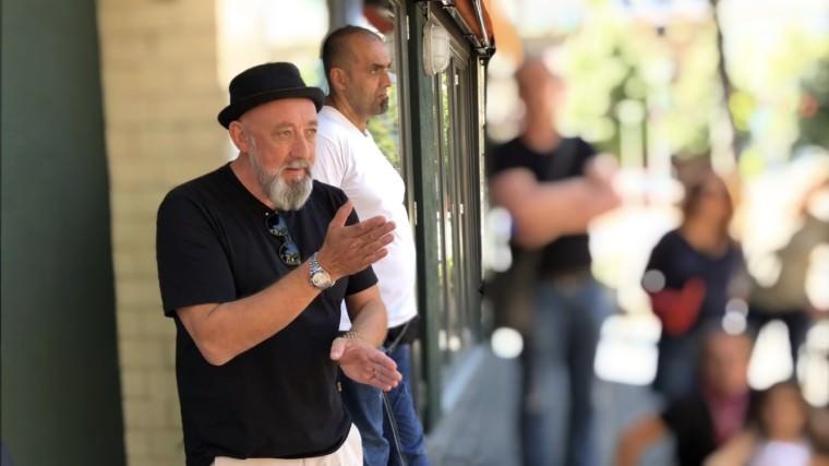"""Seine Parteikolleg*innen finden sein Engagement für """"Westwind"""" nicht so unproblemtisch wie Markus Sprengler (vorne) selbst   Foto: M. Schülke"""