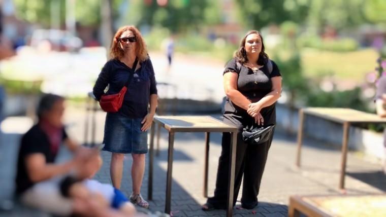 Bezirksbeirätin Christiane Sobel (l.) und Stadträtin Isabel Cademartori (SPD) | Bild: M. Schülke