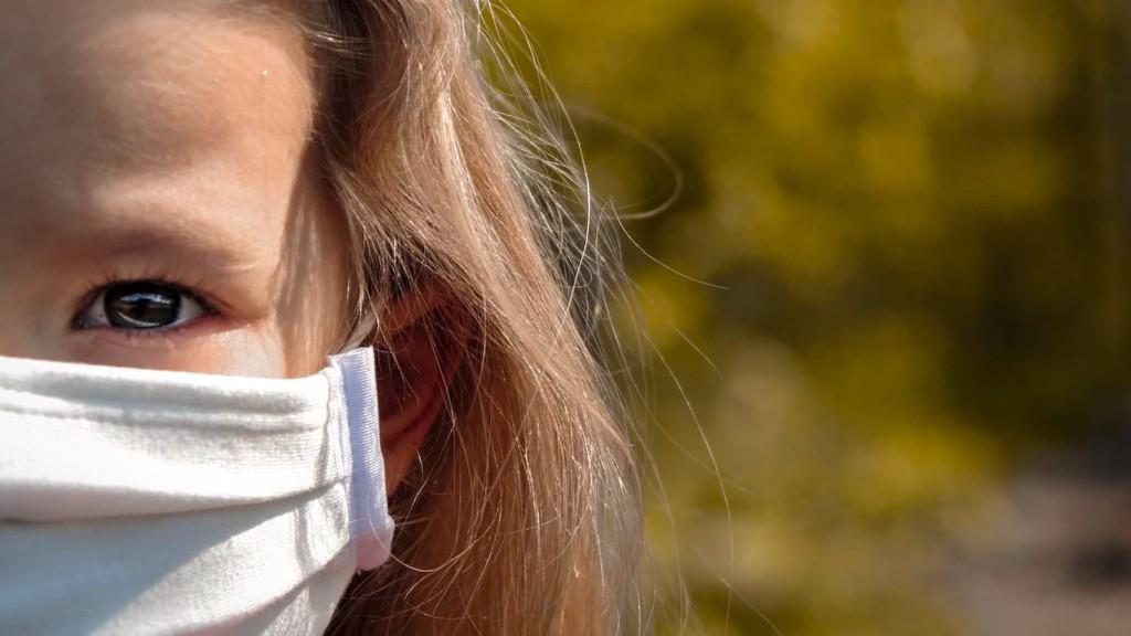 Auch Schulkindern wird das Tragen einer Maske empfohlen | Foto: Pedro Wroclaw (via Pixabay)