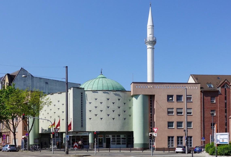 yavuz sultan selim moschee mannheim 2019 hubert berberich 1142x775 - Testen und Beten: Fastenmonat Ramadan unter Pandemiebedingungen