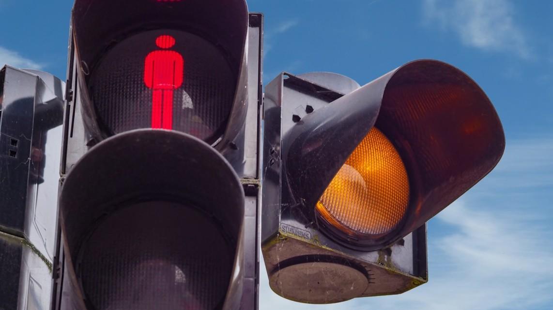 ampel symbolbild traffic lights 1428827 wolfgang claussen pixabay 1142x642 - Wartungsarbeiten an Ampelanlagen in Neckarstadt-West