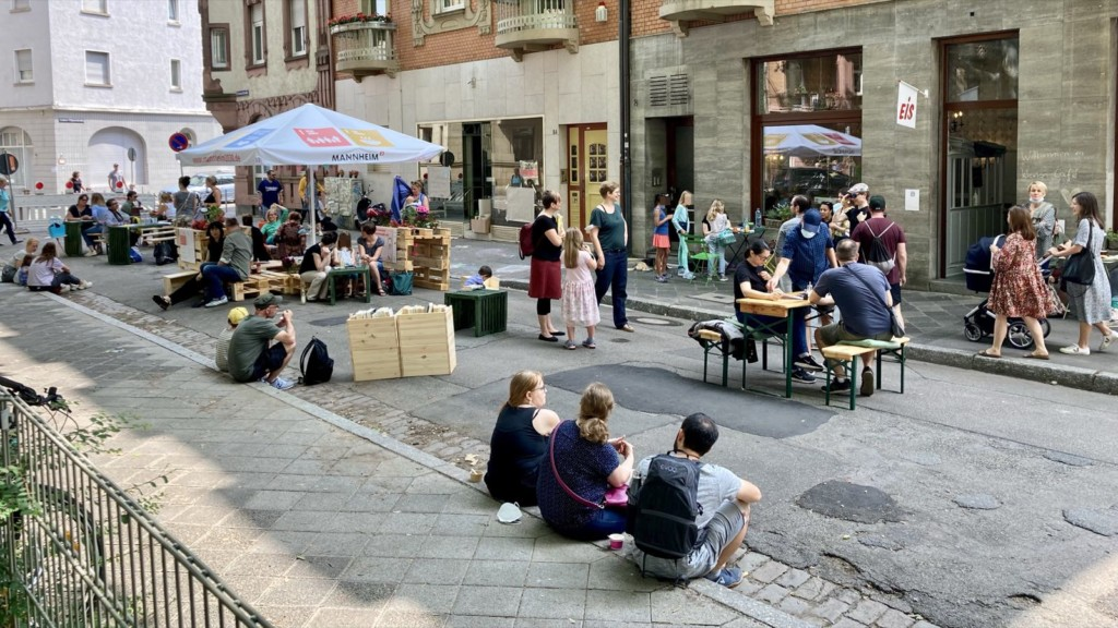 Mehr Platz am Clignetplatz wurde dankbar angenommen | Foto: M. Schülke