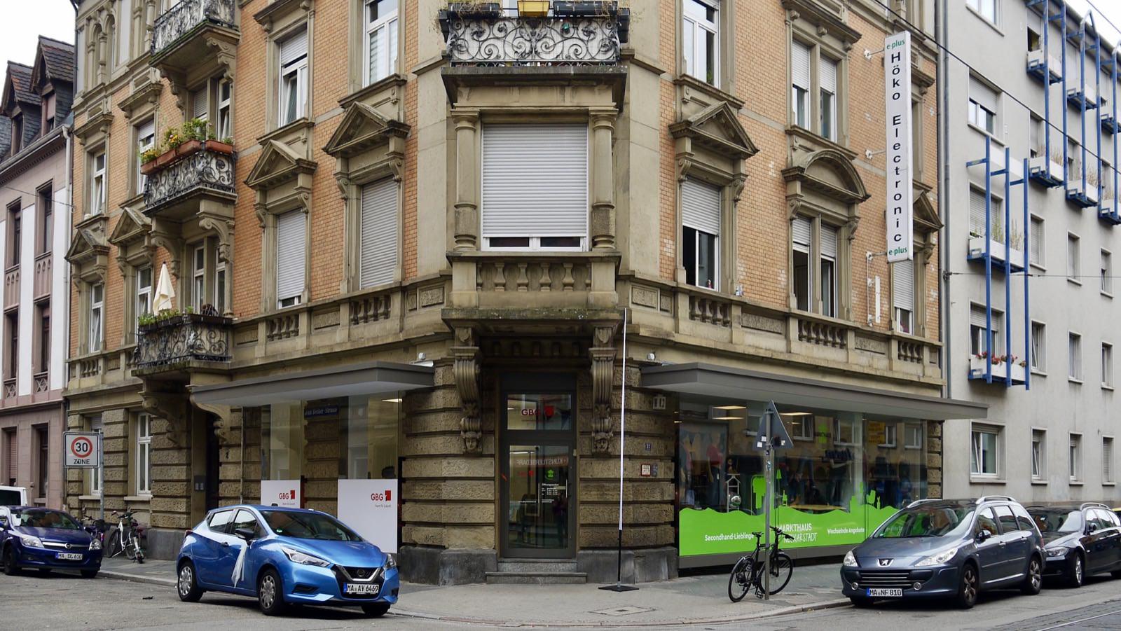 In der Mittelstraße an der Ecke zur Jean-Becker-Straße befinden sich jetzt eine Markthaus-Filiale sowie ein GBG-Büro   Foto: M. Schülke