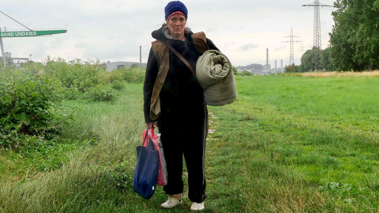 Schauspielerin Hedwig Franke nimmt die Zuschauer*innen mit in Brox' Lebenswelt   Foto: CaCm