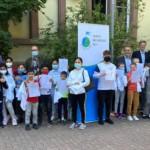 Kinder erhalten Spenden für Campus Neckarstadt-West